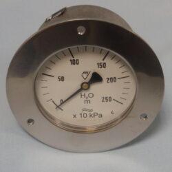 03375                                                                           -Membránový tlakoměr vodotěsný se zadním přípojem a přední přírubou.br 03375  M20x1,5