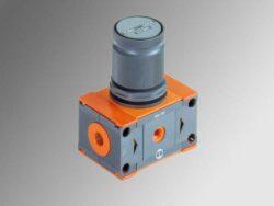 REG 200 1/2 12-Regulátor  tlaku vzduchu G1/2, Pvýst. 0-12 bar,  Pvst.max.13 bar, bez manometru