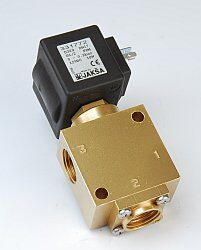 XD329                                                                           -3/2 elektromagnetický ventil - přímo ovládaný, DN13; G3/8, 12V DC, 0 - 2bar,  NC, Tmax.+85°C, konektor není součástí balení ventilu