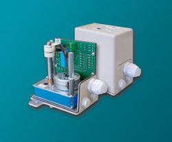 servopohon série NK 0302 .-Servopohon otáčkový typ NK 0302, ( 2 Nm ), čas přestavení  3 (2,5) s. / 90°, regulační úhel  do 300°, váha 2,5 kg. ovládací napětí : standard 230V,50 (60)Hz, max.7 VA, IP 65. Synchronní motor na střídavý proud, s ochrannou proti zkratu, jednopólový, reverzní 230V ± 10%, 50/60 Hz ± 5%,  100% nepřetržitý chod . Startovací a zastavovací doby v řádu milisekund.