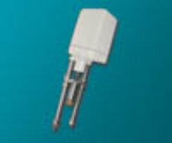 servopohon série V 2 .-Servopohon táhlový (pro regulaci ventilů), typ V 2, ( 2000 Nm ), rychlost přestavení  0,3; 0,6 mm/s., zdvih: 85 mm., váha 5,8 kg. Ovládací napětí : standard 230V,50 (60)Hz, max.70 VA, IP 54. Synchronní motor na střídavý proud, s ochrannou proti zkratu, jednopólový, reverzní 230V ± 10%, 50/60 Hz ± 5%,  100% nepřetržitý chod . Udržování velmi vysokého točivého momentu prostřednictvím samozajišťovací hřídele.Startovací a zastavovací doby v řádu milisekund.